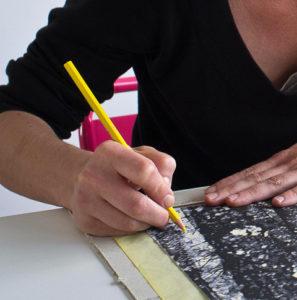Jana Lottenburger graveure plasticienne représentée par galerie d'art Virginie Baro · Promotion d'artistes
