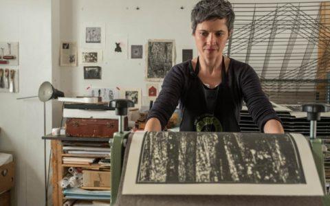 Jana Lottenburger graveure plasticienne, graveure représentée par galerie d'art Virginie Baro