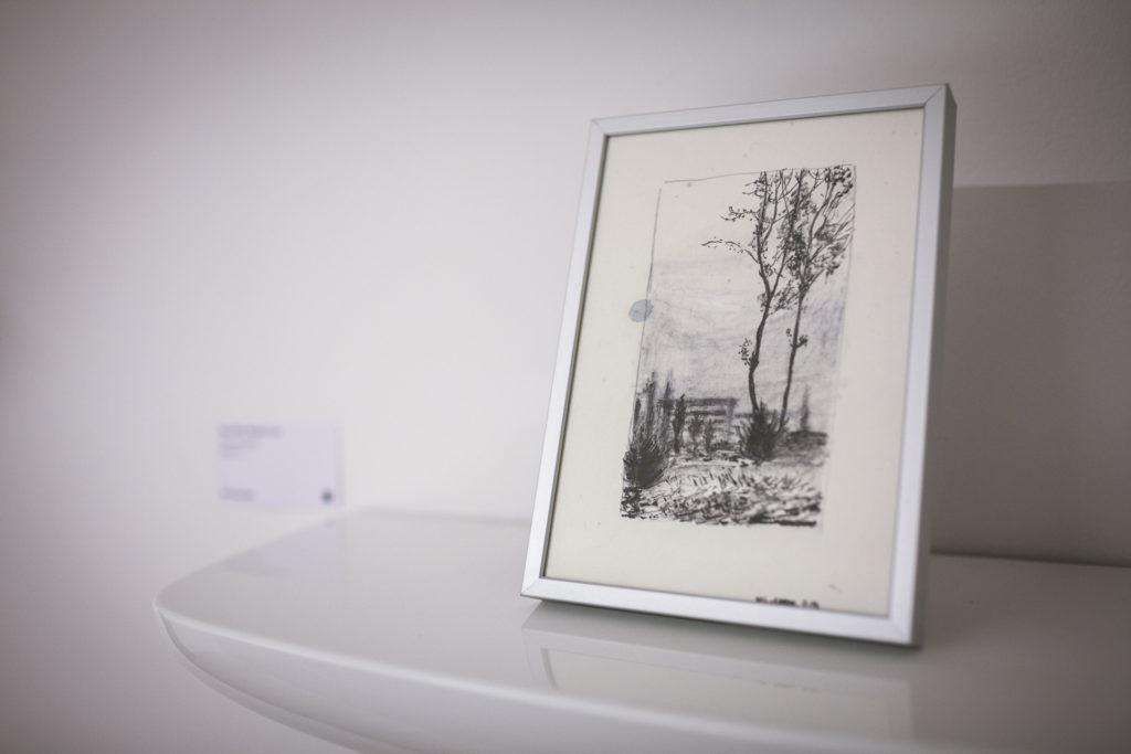 Exposition collective réalisée en collaboration avec les éditions du coté, commissaire d'exposition Virginie Baro (céramique, dessin, peinture, photo, design, sculpture, gravure)