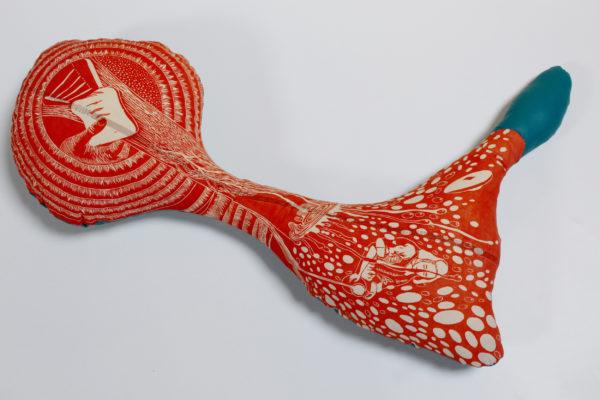 Marie-Noëlle Deverre, sculpture textile, tissu, linogravure sur drap, bourre, sélectionnée par la galerie d'art Virginie Baro