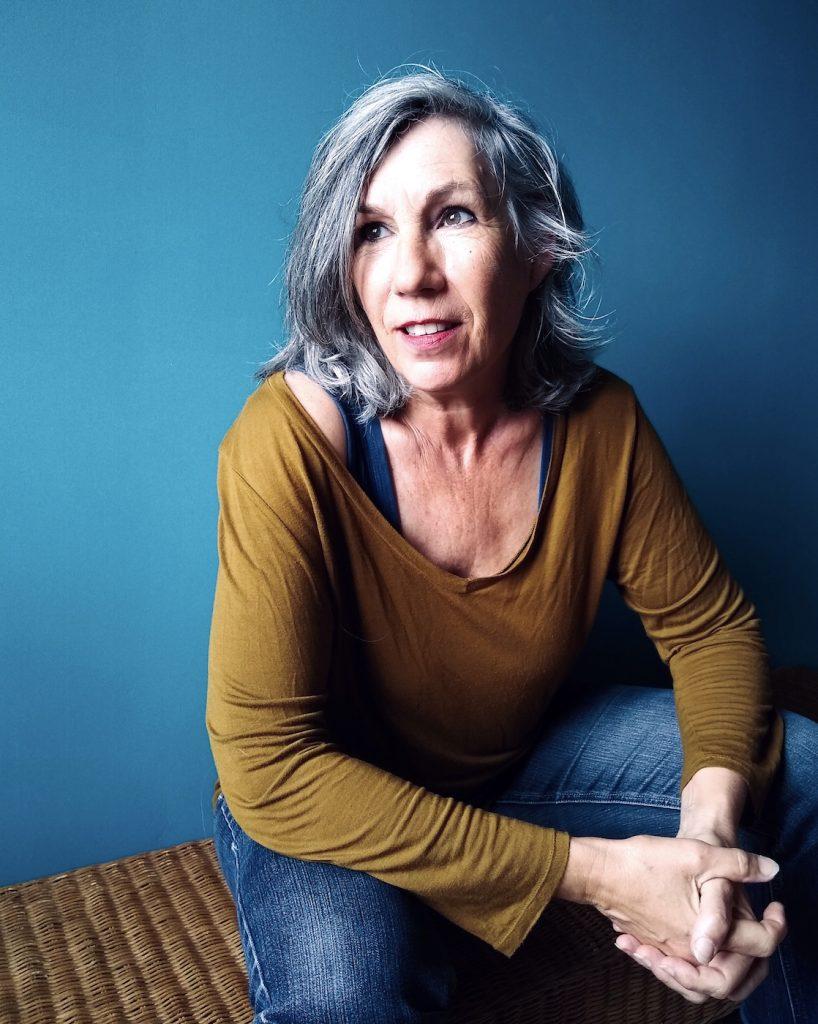 Marianne Cresson, sculpture textile buste, détournement des techniques de la tapisserie appliquées à la sculpture contemporaine, une sélection de la galerie d'art Virginie Baro
