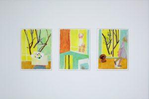 Dessin à l'acrylique sur papier, scène de genre dans la salle de bain par la peintre Juliette June représentée par la galerie Virginie Baro
